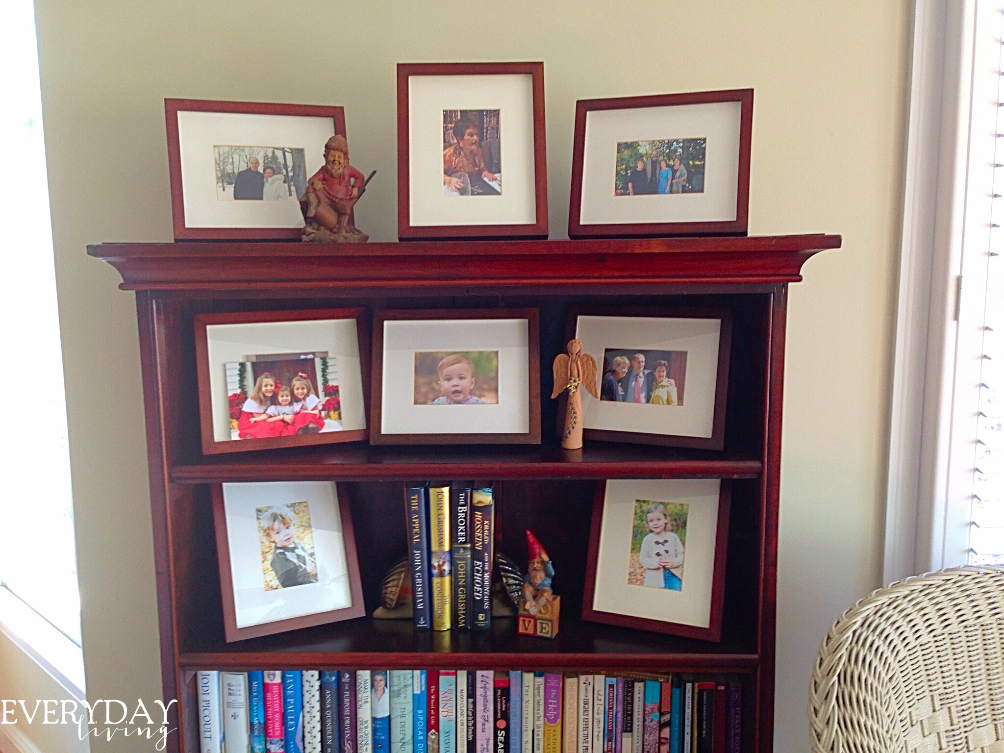 A chic carolina condo maureens family photos are displayed in pottery barn frames jeuxipadfo Images