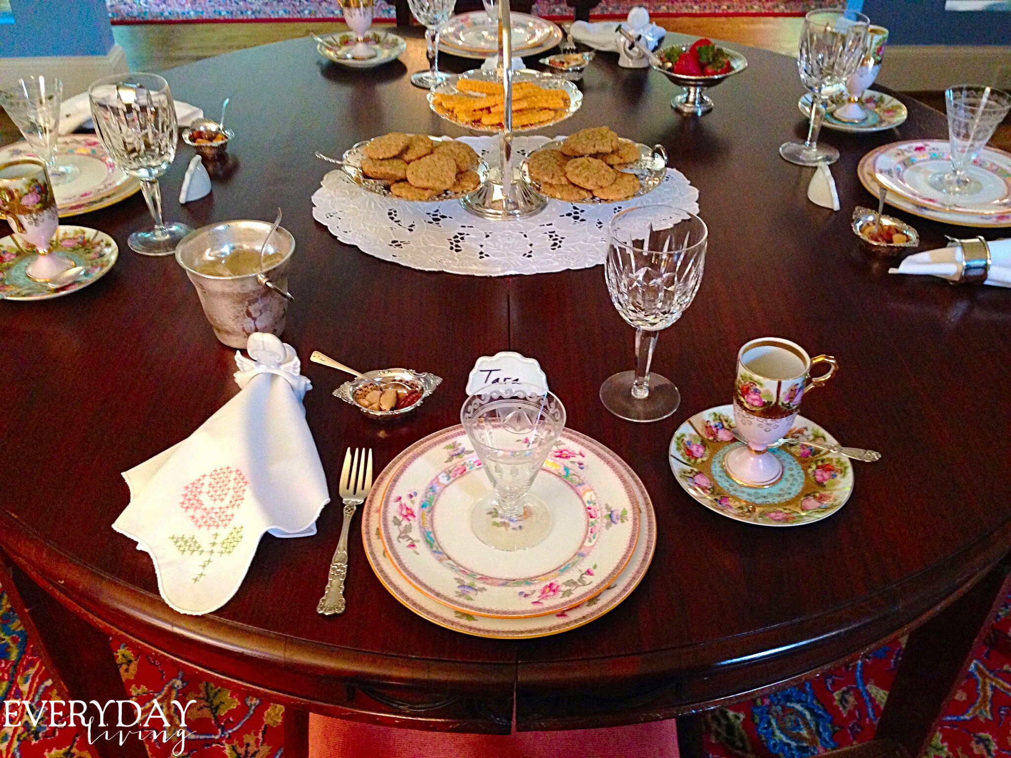 Tablescape Tuesday: It's A Girl Thing!