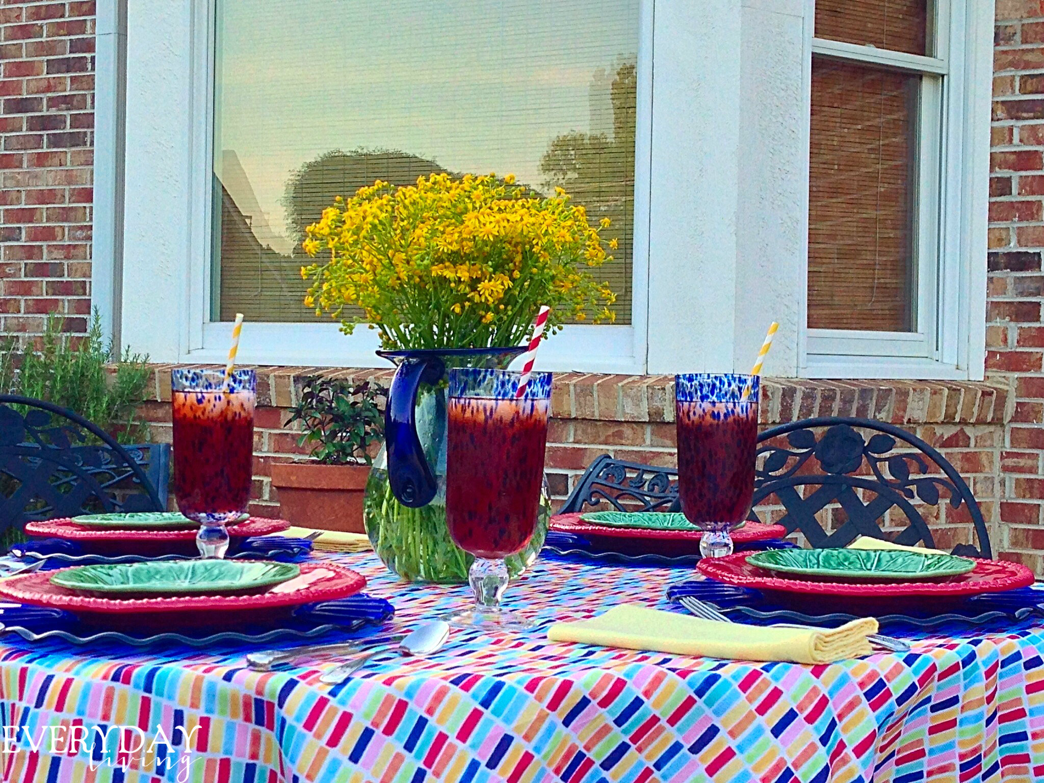 Since I Donu0027t Own Any Fiesta Ware, I Mixed An Array Of Colors For Dining  Alfresco!