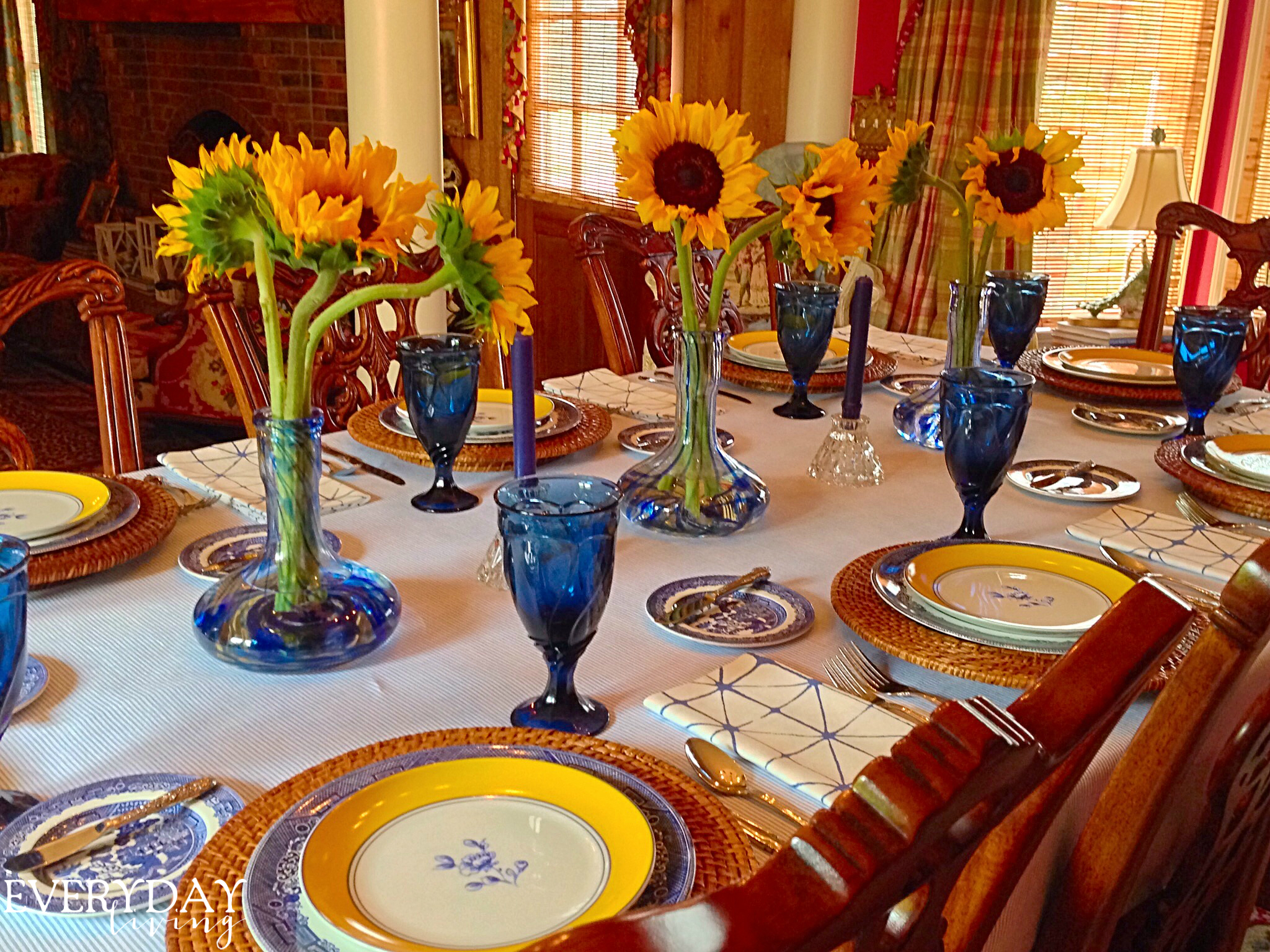 & Tablescape Tuesday: Sunflowers \u0026 Summer