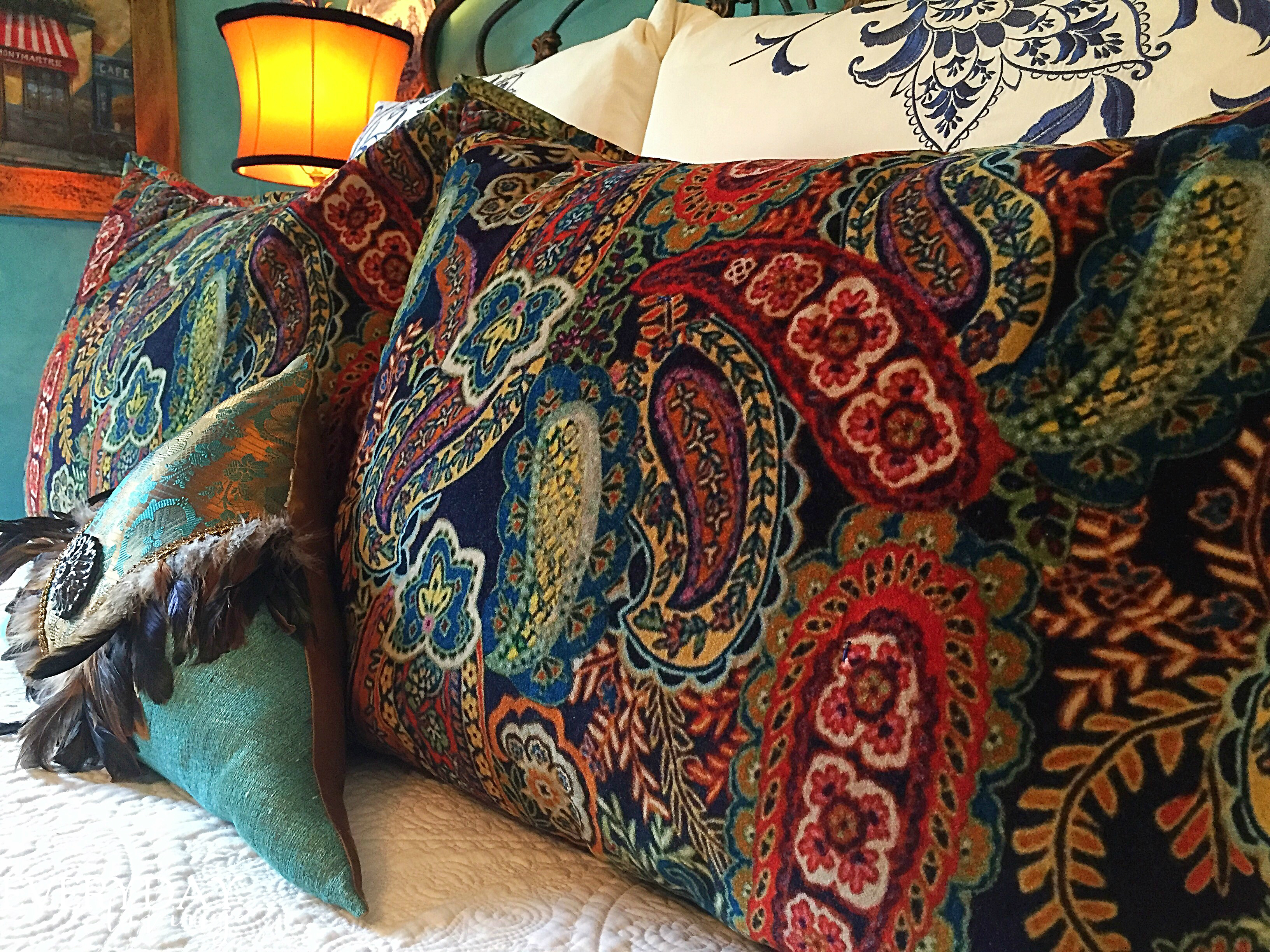Paisley Bedroom Changin It Up Paisley And Velvet Bedding